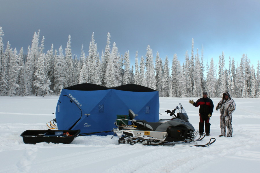 Rodney 39 s reel outdoors ice fishing charters in kelowna for Ice fishing setup
